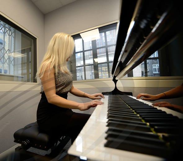 IAC Acoustics music practice room acoustic moduline