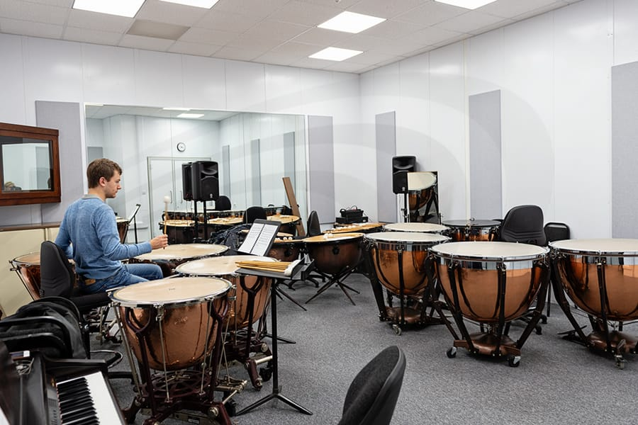 iac acoustics Royal Academy of Music in London fabric souund absorption system panels in music test room